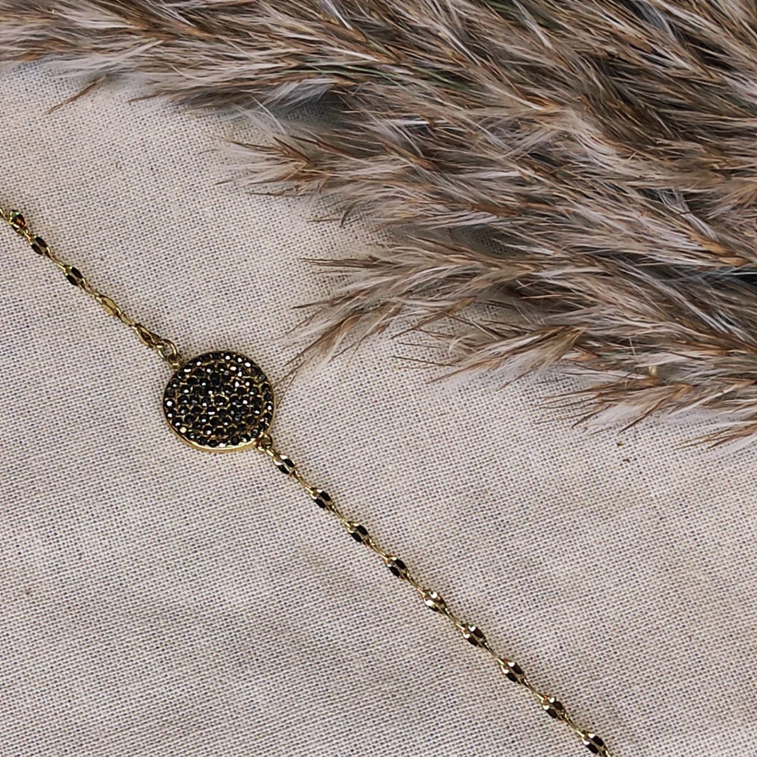 bracelet rond avec strass gris
